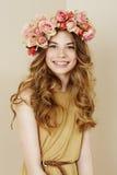 Portret piękna kwiat dziewczyna Zdjęcia Royalty Free