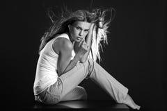 portret piękna monochromatyczna kobieta Zdjęcia Stock