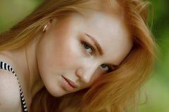 Portret piękne rudzielec dziewczyny Zdjęcia Royalty Free