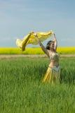Portret piękny brzucha tancerz Fotografia Stock