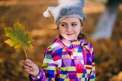 Portret piękny dziecko w jesieni Fotografia Royalty Free