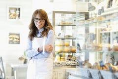 Portret piekarnia wlaściciel sklepu Zdjęcia Royalty Free