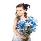 Portret piękna mała dziewczynka z kwiatami Zdjęcia Royalty Free