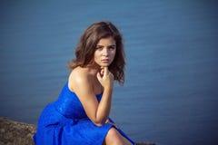 Portret poważna i smutna piękna młoda brunetki kobieta fotografia royalty free