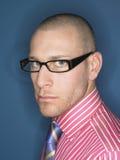 Portret Poważny Łysy mężczyzna W szkłach Zdjęcie Royalty Free