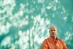 Portret poważny dojrzały latynoski mężczyzna fotografia royalty free