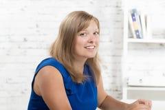 Portret powabny młody bizneswoman Zdjęcie Royalty Free