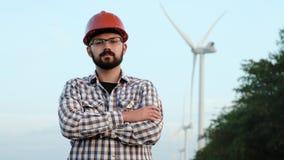Portret proces inżynier w silnik wiatrowy elektrowni zbiory wideo