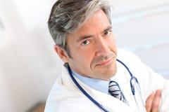 Portret przystojna lekarka Fotografia Royalty Free