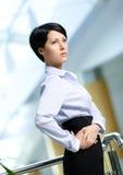 Portret przystojna piękna biznesowa kobieta Zdjęcia Stock