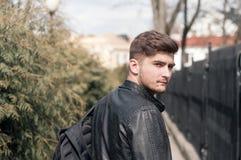 Portret przystojny mężczyzna outdoors Obraz Stock