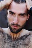 Portret przystojny męski facet z kroplą woda na а fac Obrazy Royalty Free