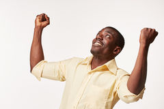 Portret przystojny młody czarnego afrykanina ono uśmiecha się Zdjęcia Stock