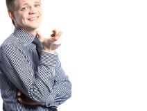 Portret przystojny młody szczęśliwy biznesmen w kostiumu zdjęcia stock