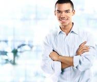 Portret przystojny ufny młody afrykański biznesmen Zdjęcie Stock