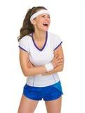 Portret roześmiany żeński gracz w tenisa zdjęcia stock