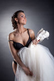 Portret rozochocony panny młodej pozować nagi w studiu Zdjęcia Royalty Free