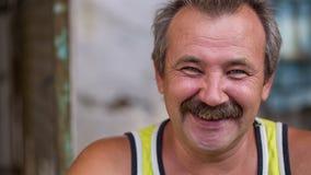 Portret Rozochocony Wiejski mężczyzna zbiory wideo