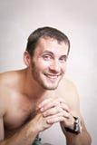 Portret rozważny atrakcyjny mężczyzna zakończenie up obraz stock