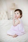 Portret słodka dziewczyna troszkę w domu Obrazy Royalty Free