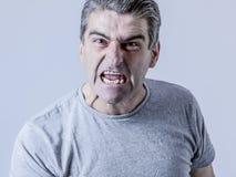 Portret 40s biały facet i szalony Furio 50s gniewny i wzburzony zdjęcie royalty free