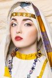 Portret slavic kobiety od past Krajowej rocznik odzieży Fotografia Stock