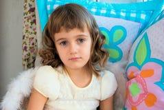 Portret smutna mała dziewczynka Fotografia Stock
