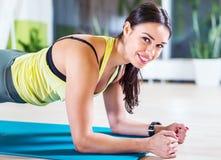 Portret sprawność fizyczna trenuje sportowej sporty kobiety Zdjęcie Stock