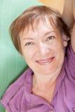 portret starsza kobieta uśmiechnięta Zdjęcia Stock