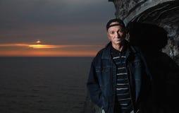 Portret starszy osamotniony zadumany mężczyzna Fotografia Royalty Free