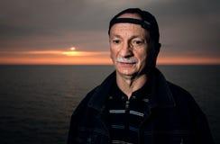 Portret starszy osamotniony zadumany mężczyzna Zdjęcie Stock