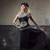 Portret steampunk kobieta nad grunge tłem Piękna dama w Wiktoriańskim stylu Zdjęcie Royalty Free