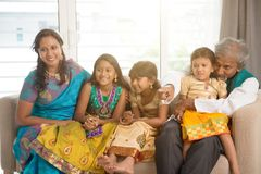 Portret szczęśliwa Indiańska rodzina Zdjęcie Royalty Free