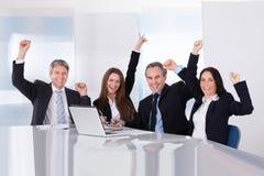 Portret Szczęśliwi biznesmeni Zdjęcia Stock