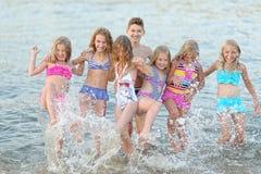 Portret szczęśliwi dzieci na naturze Zdjęcia Stock