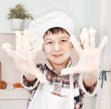 Portret szczęśliwy mały szef kuchni zdjęcia stock