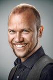 Portret szczęśliwy uśmiechnięty mężczyzna Obraz Stock