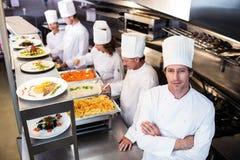 Portret szef kuchni w handlowej kuchni Fotografia Royalty Free