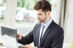 portret tło biznesmena bieli odizolowanych young Obrazy Stock