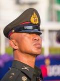 Portret Thaise politieagent tijdens de viering van Chinees Nieuwjaar in Chinatown, Bangkok, Thailand Royalty-vrije Stock Afbeelding