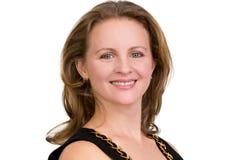 Portret Trustingly Uśmiechnięta Biznesowa kobieta Patrzeje ciebie zdjęcie stock