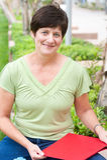 Portret uśmiechnięta dojrzała kobieta Zdjęcia Royalty Free