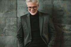 Portret uśmiechnięty starszy biznesmen Zdjęcie Royalty Free
