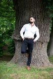 Portret Ufny biznesmen Outdoors W parku obrazy royalty free