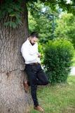 Portret Ufny biznesmen Outside W parku obrazy stock