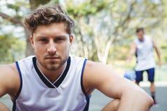 Portret ufny męski gracz koszykówki Fotografia Royalty Free