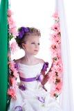 Portret urocza dziewczyna w mądrze sukni Obrazy Royalty Free
