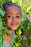 Portret Urocza mała amerykanin afrykańskiego pochodzenia dziewczyna Fotografia Royalty Free