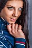 Portret urocza nastoletnia dziewczyna Zdjęcia Royalty Free