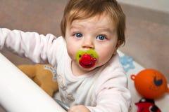 Portret van aanbiddelijke baby royalty-vrije stock foto's